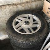 車のタイヤ交換 (有)石川自動車