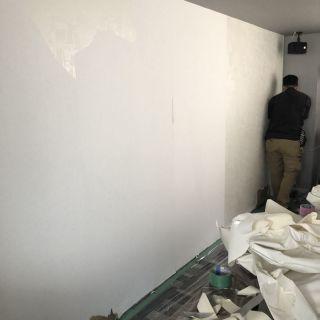 西新宿・オフィス 壁タイル工事施工前