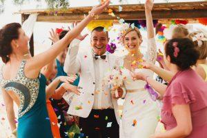 結婚式の二次会のカメラマン、お礼の相場と必ずしたい事前準備3か条!