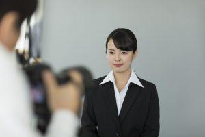 就活写真の好印象は前髪が握る!男女別に対策を解説