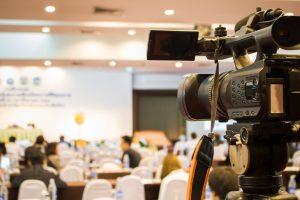 講演会の記録は、写真だけでなくビデオでも!