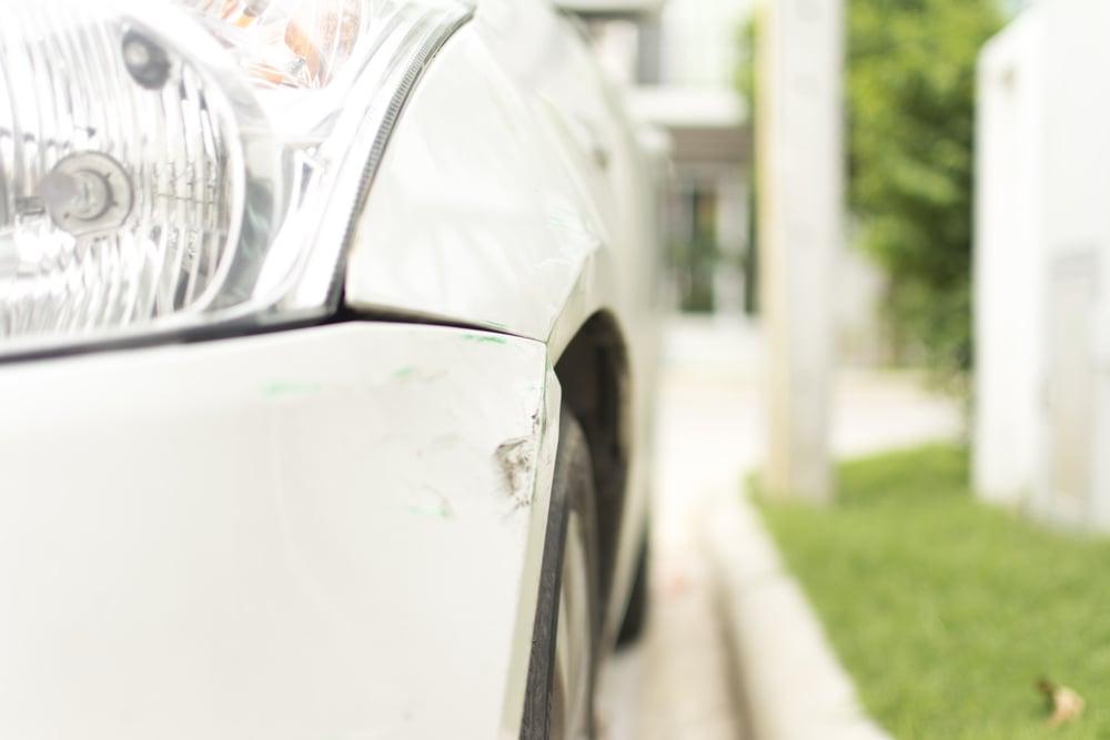 車の傷の修理はいくらかかる?
