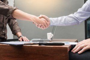 個人事業主が税理士に依頼する分岐点は?【全国おすすめ税理士56人】