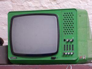 【ブラウン管テレビ処分方法】テレビモニターの買取料金も解説!