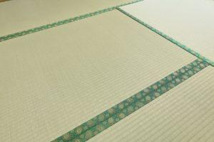 畳のカビの正しい取り方|から拭きとエタノールで掃除する方法