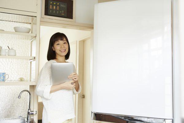 メーカー別冷蔵庫の寿命年数の判断目安と修理費相場