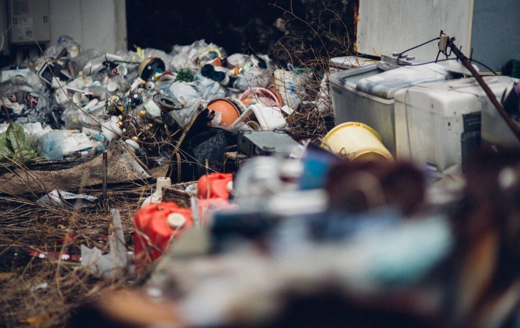 ゴミ屋敷の片付け方法は?自力の掃除で成功するコツも紹介