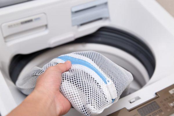 洗濯機は洗濯ネットに入れて洗う