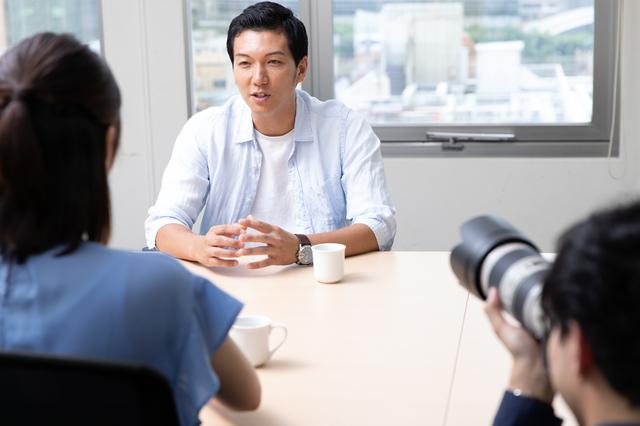インタビュー写真の構図