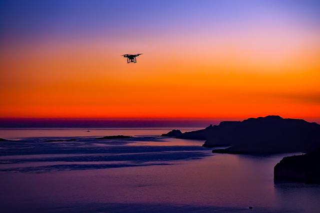 目視内飛行と目視外飛行で飛行距離に注意しましょう。