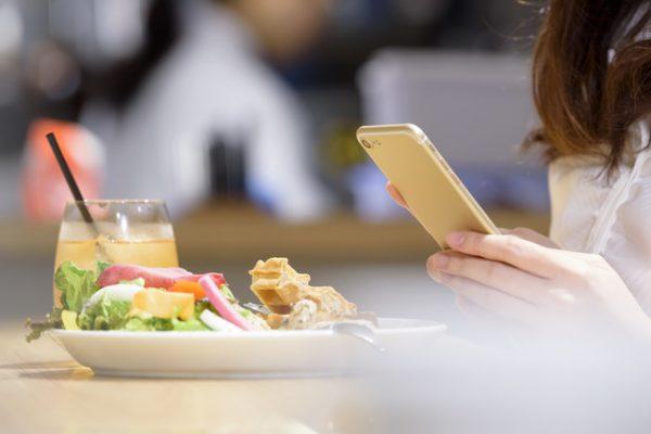 インスタ映えする料理写真の加工アプリ