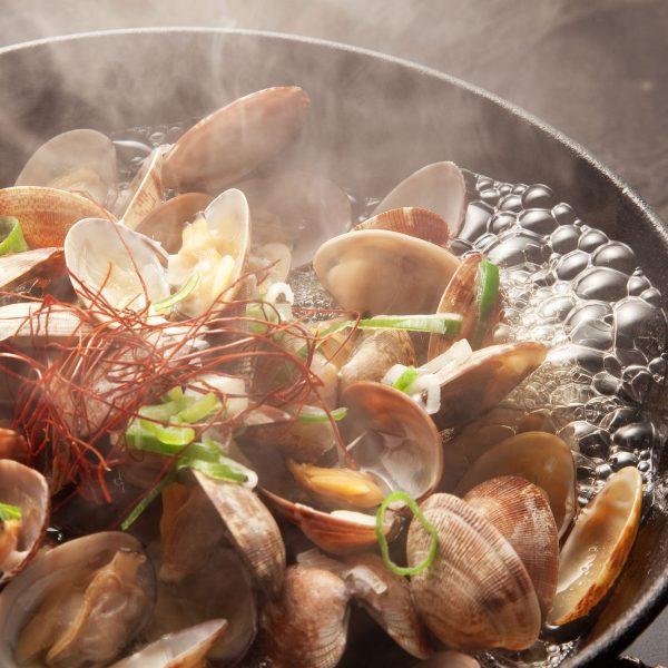 アサリ鍋が煮えている