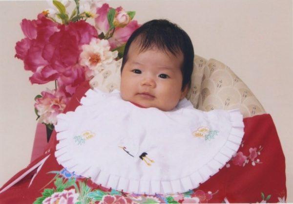 お宮参り撮影中の赤ちゃん