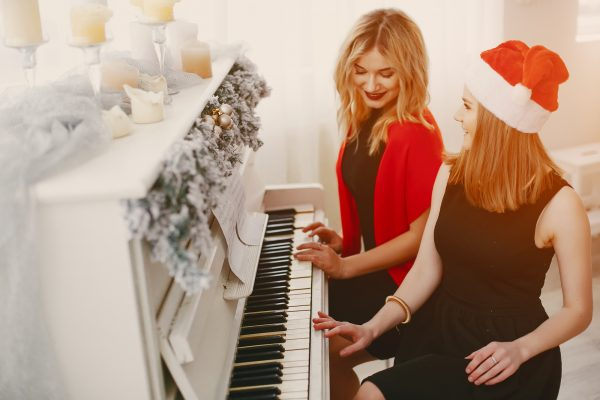 知り合いや友人にピアノをプレゼント