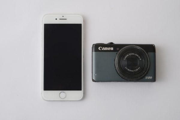 iphoneとコンデジ(canon.S120)