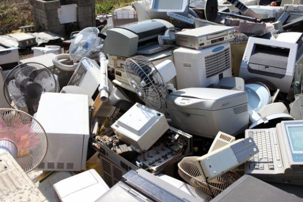 電子レンジは小型家電リサイクル法を守って処分しよう