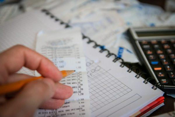 確定申告の税理士費用を削減する方法
